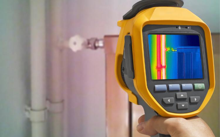 Caméra thermique pour détecter une fuite en Israël